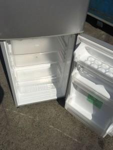 冷蔵庫回収ドリンクホルダー内側ラベル確認